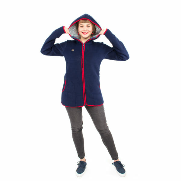 Babywearing jacket Janko in navy-red model from front