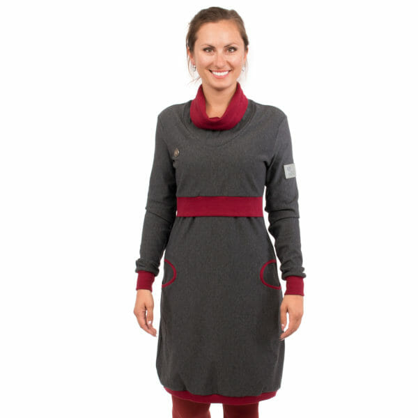 Maternity sweater dress and nursing dress NEELE in anthracite bordeaux - model wears dress -close-up front view