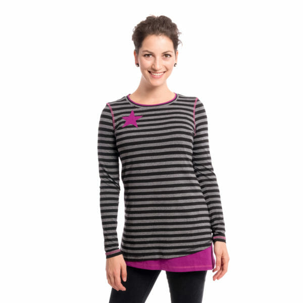 Maternity and nursing top VEGA in black-gray-purple - model wears shirt - front view detail
