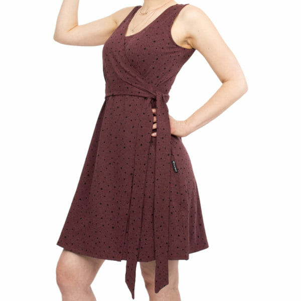 Maternity and nursing wrap dress TESSA in cassis with black dots - detailed view fo dress