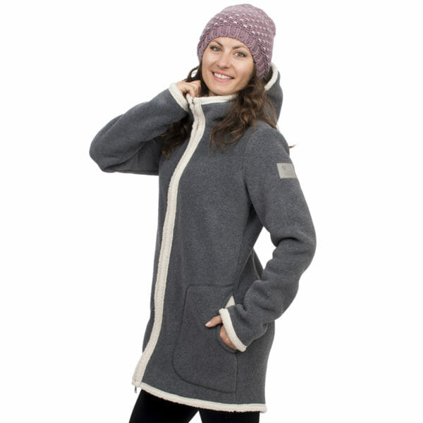 3in1 Maternity and babywearing winter coat fleece ARCTICA in gray-ecru - model wears coat without inserts - close-up view